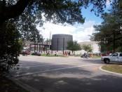 1024px-Houstonholocaustmuseum