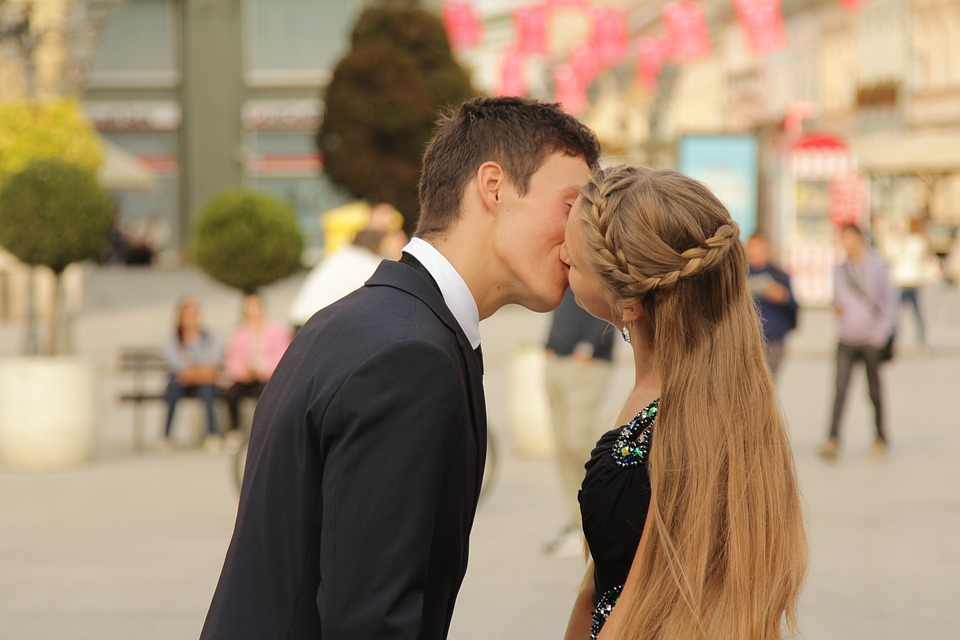 The Benefits Of French Kissing Us Daily Review