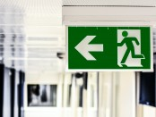 green-and-white-male-gender-rest-room-signage-134065